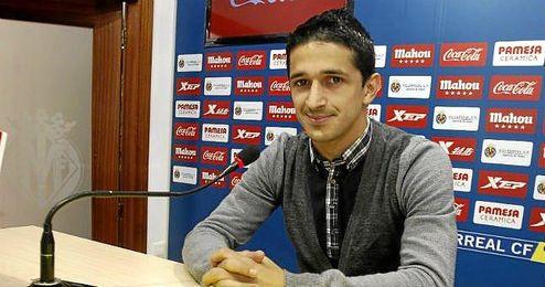Jonathan Pereira, en sala de prensa durante su etapa en el Villarreal.