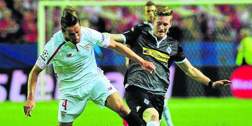 Imagen del duelo entre Sevilla y Gladbach.