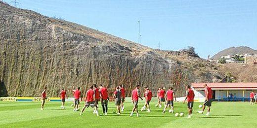 El Sevilla, entrenando en Las Palmas.