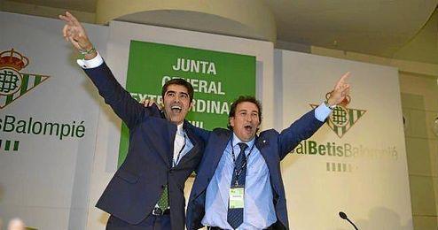 En la imagen, Haro y Catalán, eufóricos, celebran el resultado.