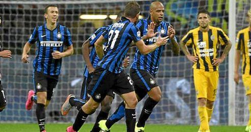 Felipe Melo festeja su gol al Hellas Verona.