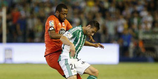 Imagen del duelo entre Betis y Deportivo.