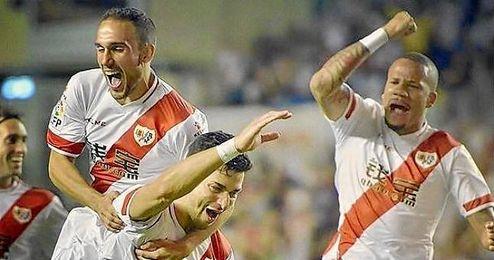 J�mez convoca a 19 futbolistas.