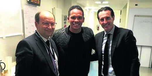Bacca, junto con Jos� Castro y Unai Emery.