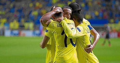 El Villarreal celebra el gol de Baptistao.