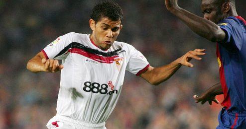 Dani Alves marcó para el Sevilla en la última victoria en Liga.