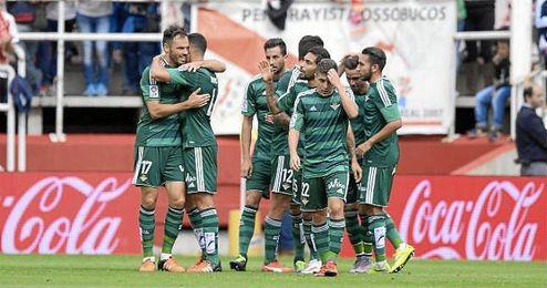 Celebración del equipo en el partido contra el Rayo.