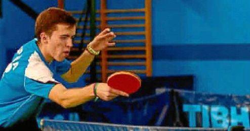 Antonio Chaves Benjumea, compitiendo en un torneo con su actual equipo, el Híspalis.