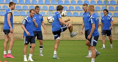 Krohn-Dehli, en un entrenamiento con Dinamarca.