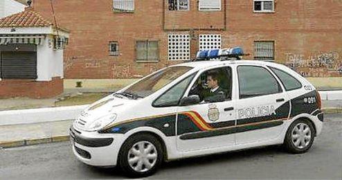 Los agentes de Polic�a de patrulla por Alcal� de Guadaira.