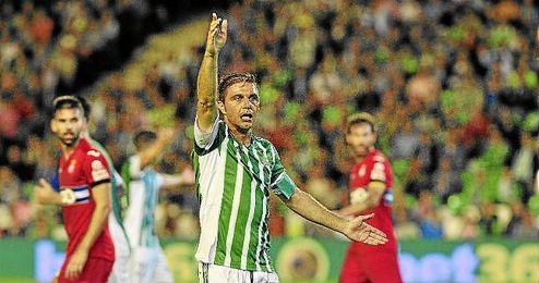 Joaquín, en un lance del Betis-Espanyol.