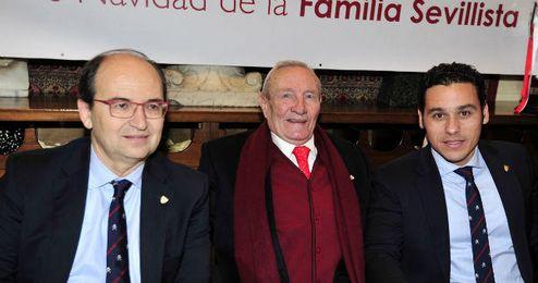 José Castro, junto a Roberto Alés y Del Nido Carrasco.