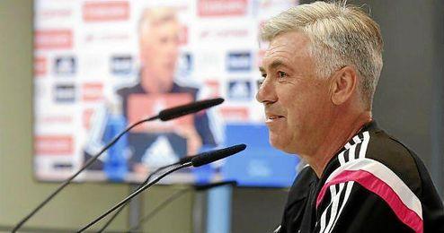 Carlo Ancelotti en una rueda de prensa.