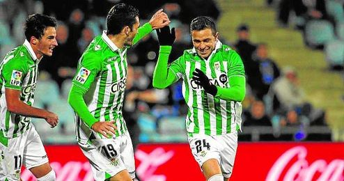 Rub�n Castro y jorge Molina celebran un gol en la 12/13.