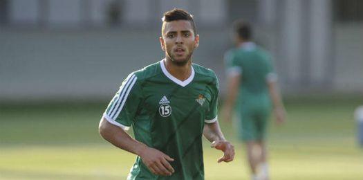 Tarek, durante un entrenamiento con el Betis.
