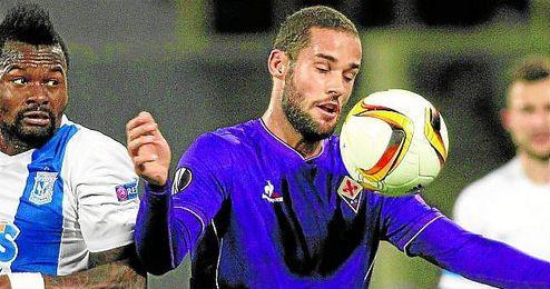 Mario Suárez no está teniendo protagonismo en la ´Fiore´.