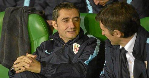 Valverde, en el banquillo visitante del Benito Villamar�n.