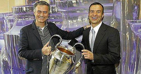Jorge Mendes junto a José Mourinho.