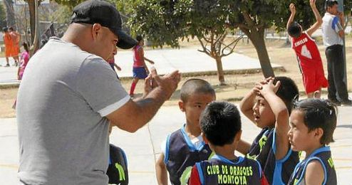 El incidente ocurrió este domingo después de que el entrenador Guillermo Audelo, de 33 años, dirigiera un partido con su equipo.