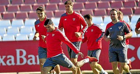 Reyes, Juan Muñoz y Llorente, titulares en el amistoso ante el Lugo.
