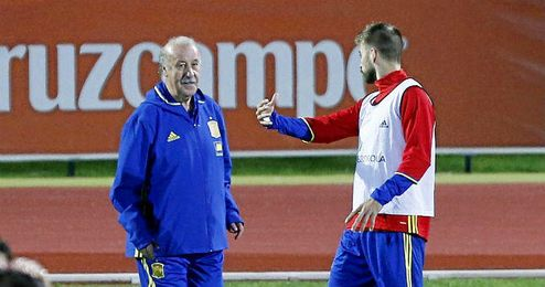 Del Bosque, en un entrenamiento de la selección española en Alicante.