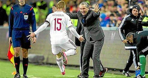 Hungría ganó en Noruega y se acerca a la Eurocopa con el gol de Kleinheisler.