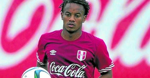 Carrillo no jug� contra Paraguay por lesi�n.
