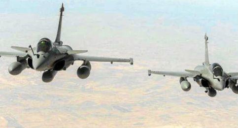 Aviones franceses han atacado Raqqa.
