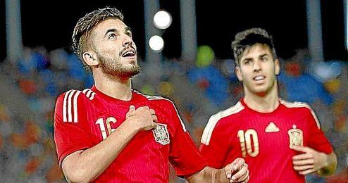 Dani Ceballos celebra un gol con la ´Rojita´.