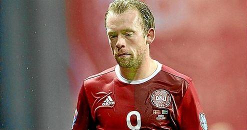 Krohn-Dehli, cabizbajo tras la eliminación de Dinamarca.