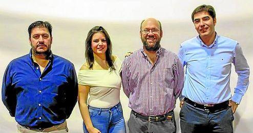 Haro, en la izquierda, ser� el Rey Baltasar en Villaverde del R�o.
