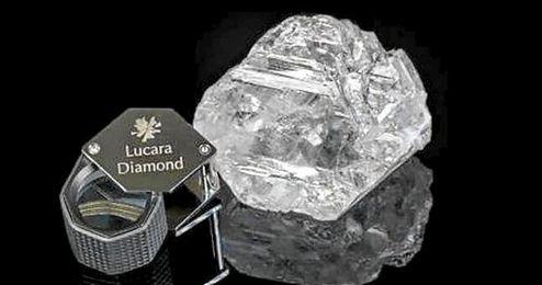 La piedra tiene unas medidas de 65x56x40 milímetros de tamaño.