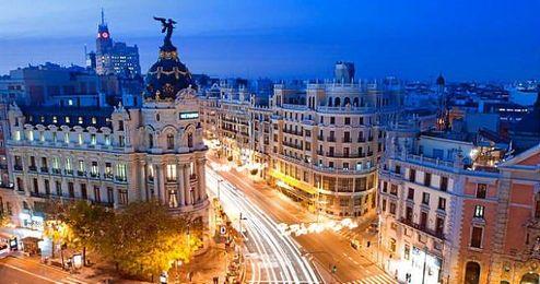 Los alojamientos en apartamentos de Madrid cuestan una media de 44€ por persona, un ahorro de casi un 50% comparado con otras fechas.