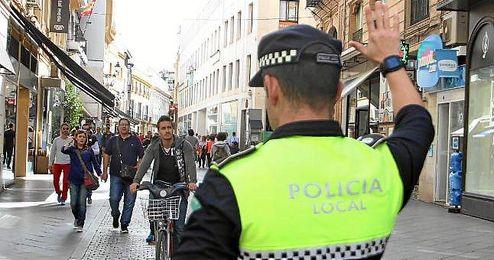 Los primeros controles han tenido lugar en la Avenida de la Constitución en Sevilla.