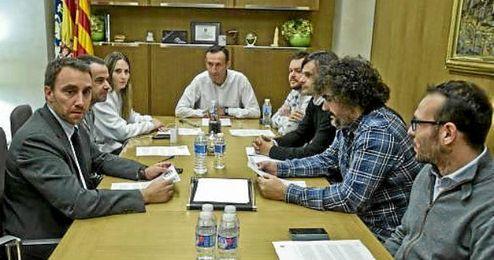 Foto de la reunión celebrada entre el Ayuntamiento y Regeneración ECF.