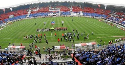 El Gobierno francés ordenó a los clubes reforzar la seguridad en los estadios.