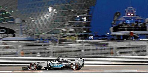 El Mercedes de Rosberg fue el m�s r�pido en Yas Marina.
