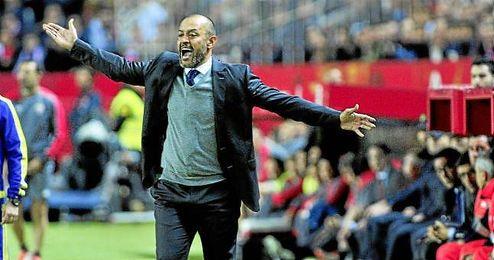 Nuno, tras la derrota ante el Sevilla, deja su cargo como técnico del Valencia.