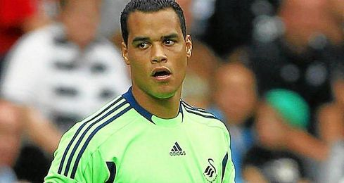 El equipo holand�s reclama un porcentaje del traspaso del portero Michel Vorm al Tottenham.