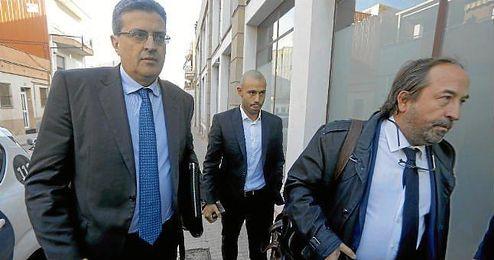 Mascherano, llegando a los juzgados de Barcelona.