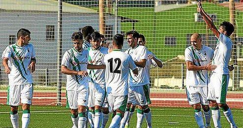 La Selecci�n Andaluza celebra el gol de Juan Antonio.