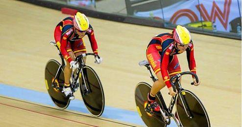 En la imagen, las ciclistas Tania Calvo y Helena Casas.