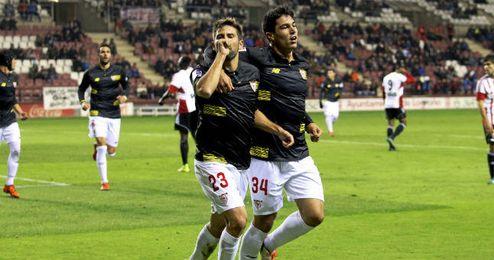 El Sevilla ganó el Logroñés su primer encuentro fuera del curso.