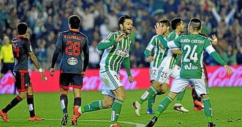 Jorge molina festeja con Rubén Castro su gol ante el Celta