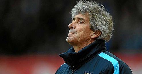 Manuel Pellegrini, frustrado tras perder el último partido.