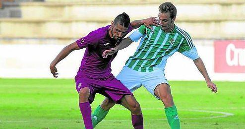 En la imagen, el futbolista verdiblanco Loren.
