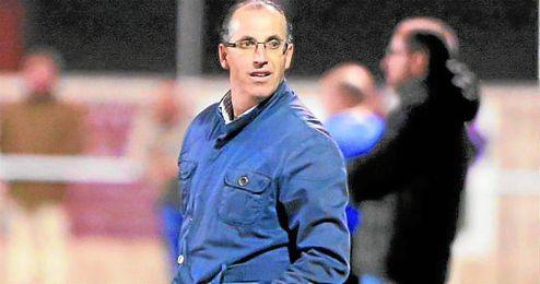 En la imagen, Jose Antonio Granja, entrenador del Castilleja.
