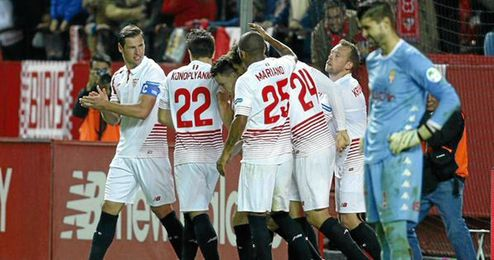 El Sevilla pudo con el Sporting tras una segunda parte muy completa.
