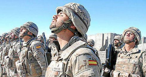 Los militares españoles también verán el derbi.