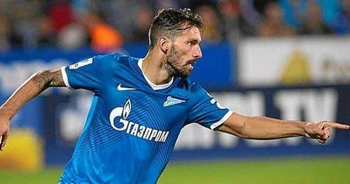 Danny celebra un gol con la elástica del Zenit